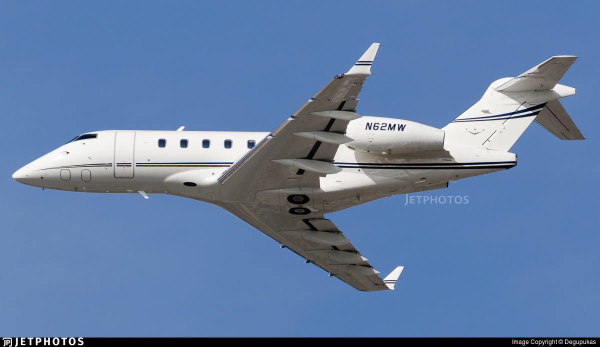 N62MW - Bombardier BD-100-1A10 Challenger 300 - Private