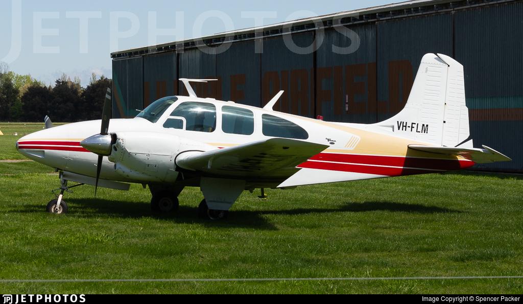 VH-FLM - Beechcraft D95A Travel Air - Lilydale Flying School