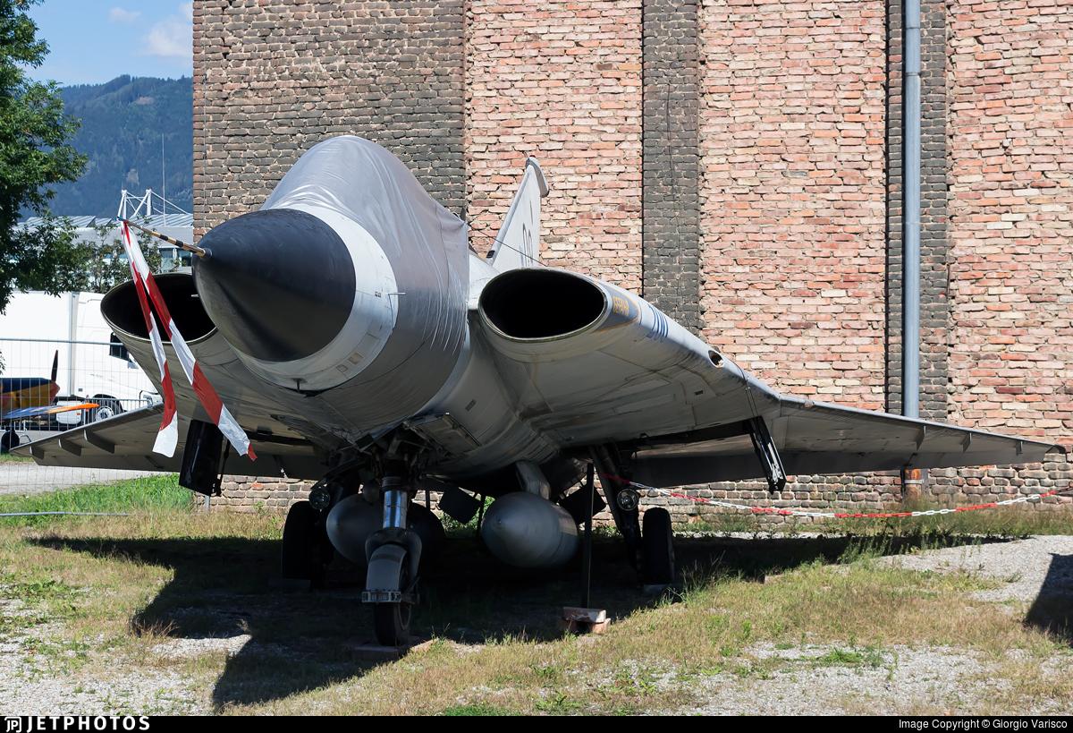 09 - Saab J-35Ö Mk.II Draken - Austria - Air Force