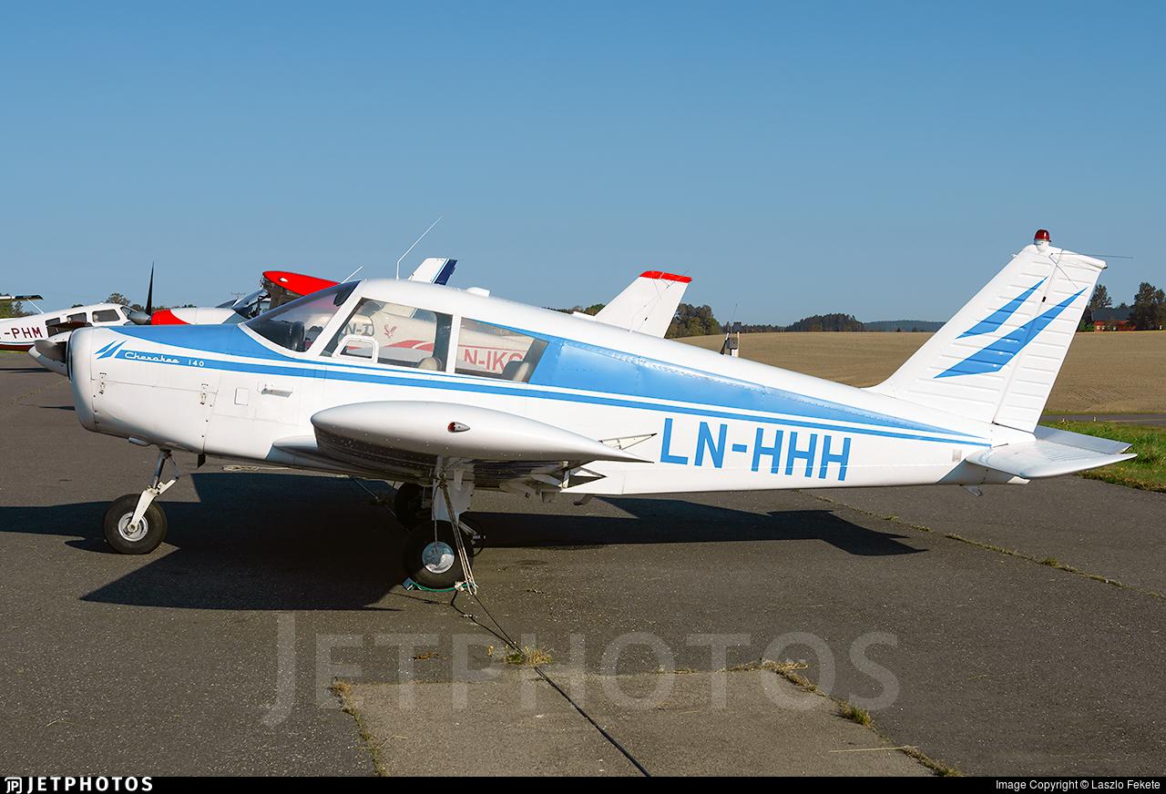 LN-HHH - Piper PA-28-140 Cherokee - Private