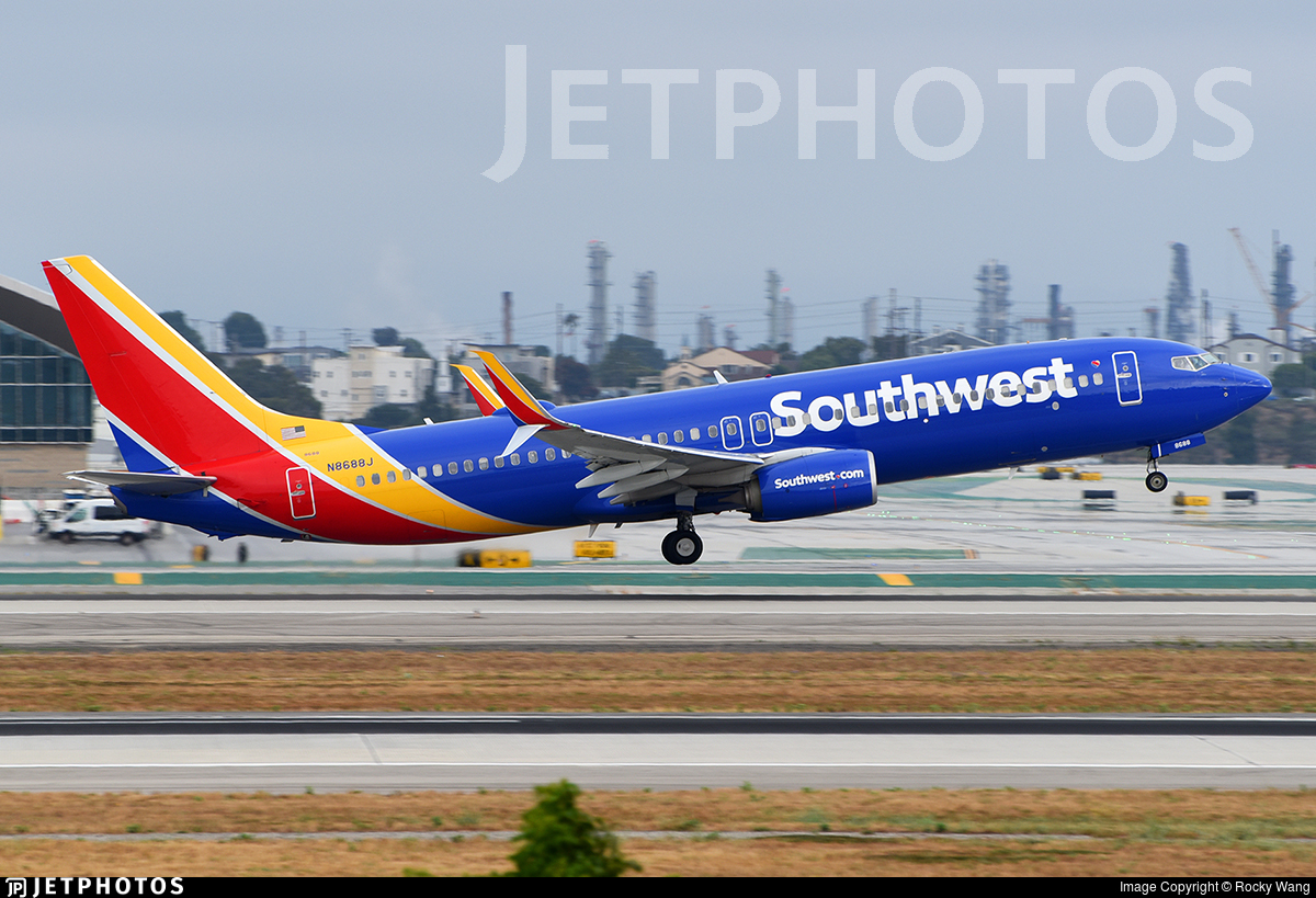 N8688J - Boeing 737-8H4 - Southwest Airlines