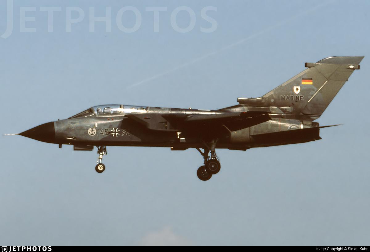 45-74 - Panavia Tornado IDS - Germany - Navy