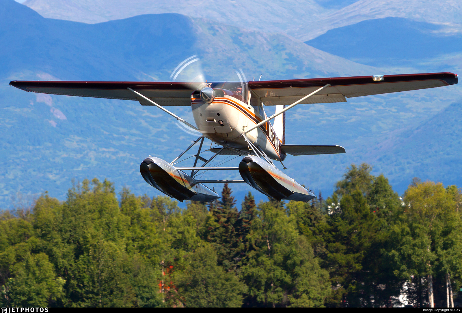 N6548A - Cessna 180 Skywagon - Private