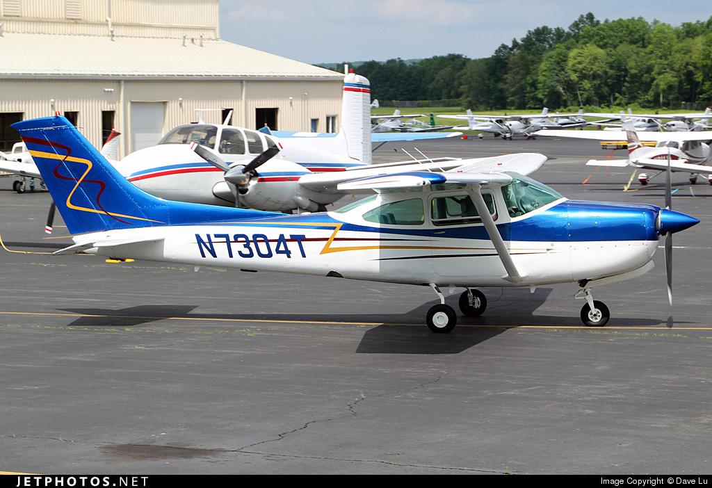 N7304T - Cessna R182 Skylane RG - Levin Air