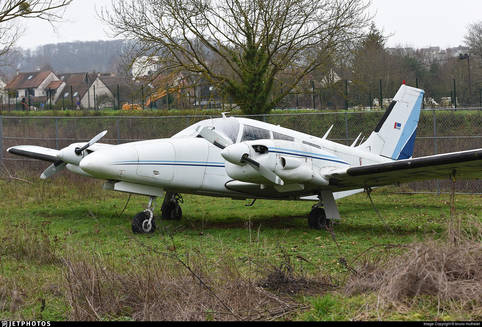 F-BTYI - Piper PA-34-200 Seneca - Private