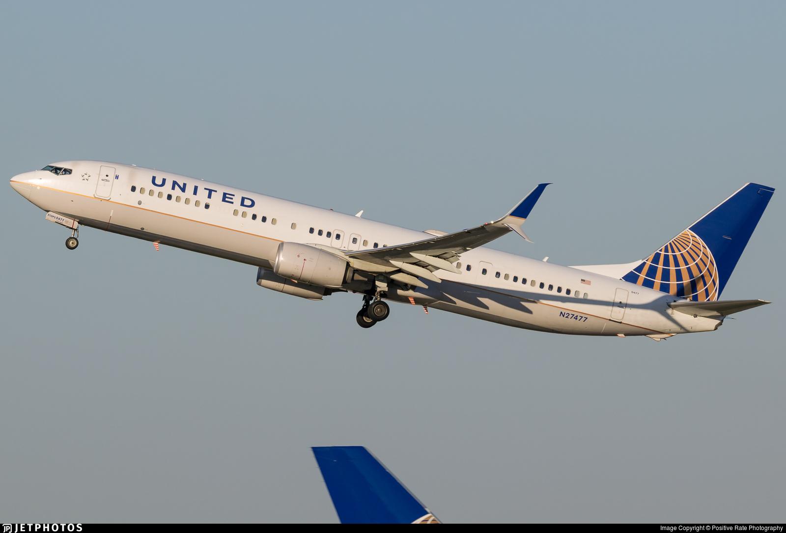 N27477 - Boeing 737-924ER - United Airlines