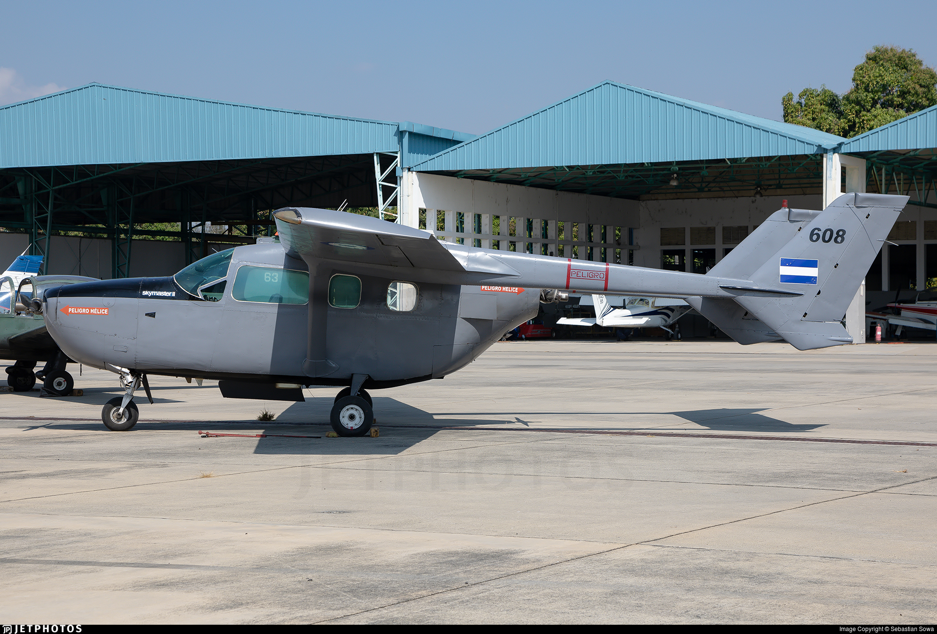 608 - Cessna 337G Skymaster - El Salvador - Air Force