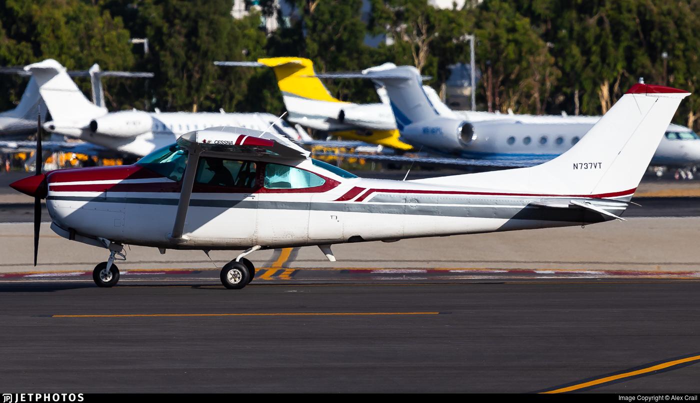 N737VT - Cessna TR182 Turbo Skylane RG - Private