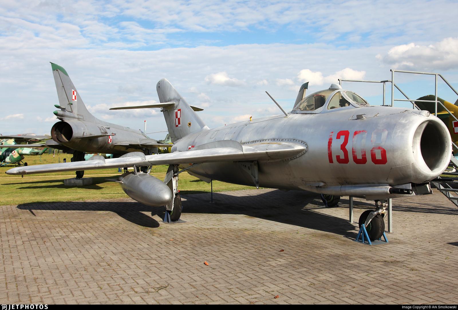 1308 - PZL Lim-5 - Poland - Air Force