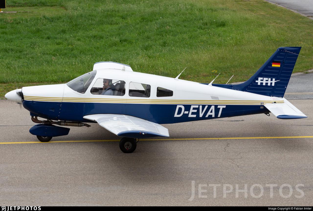 D-EVAT - Piper PA-28-181 Archer II - FFH Flight Training