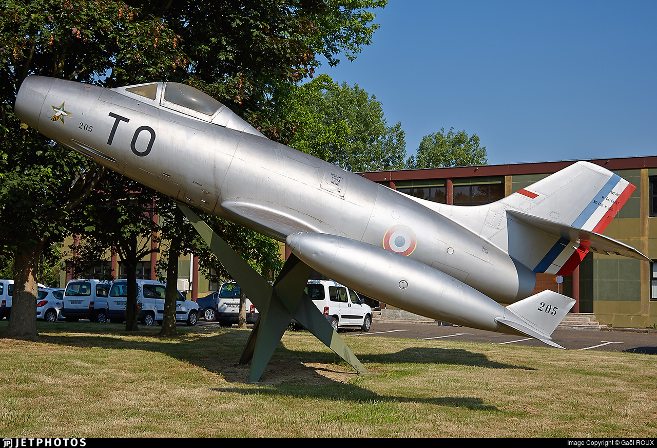 227 - Dassault MD.450 Ouragan - France - Air Force