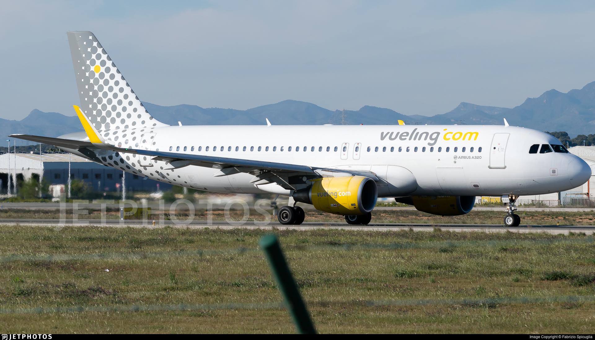EC-MAH - Airbus A320-214 - Vueling