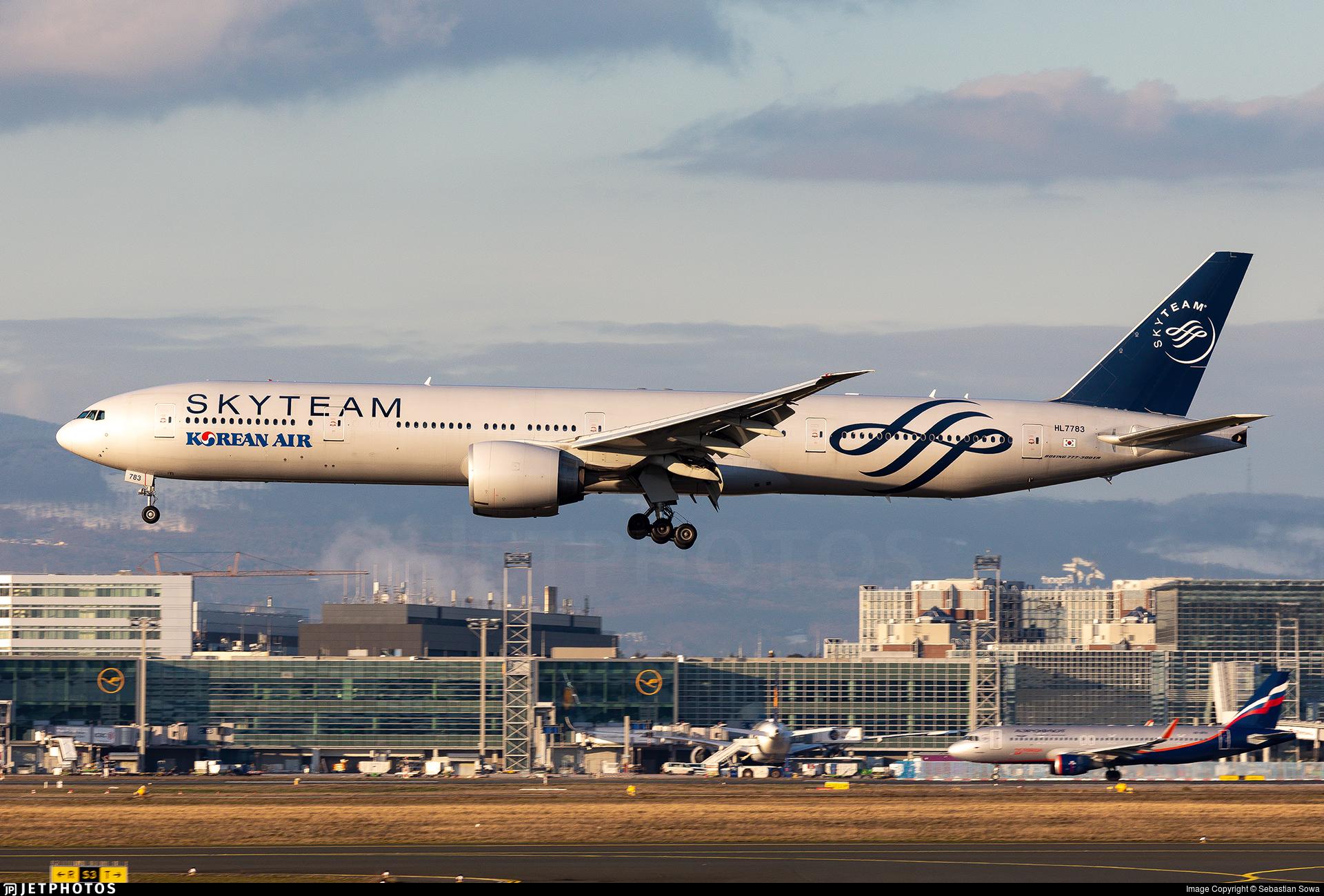 HL7783 - Boeing 777-3B5ER - Korean Air