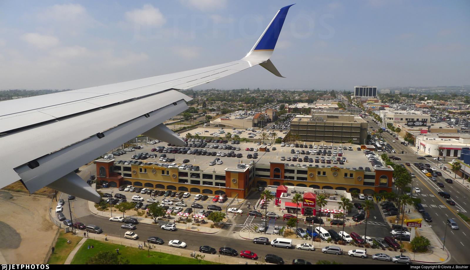 N26226 - Boeing 737-824 - United Airlines