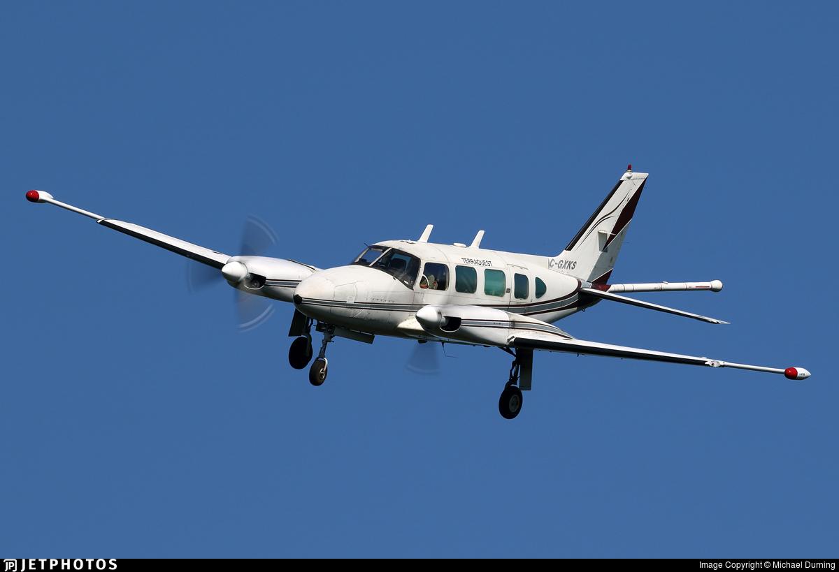 C-GXKS - Piper PA-31-325 Navajo C/R - Private