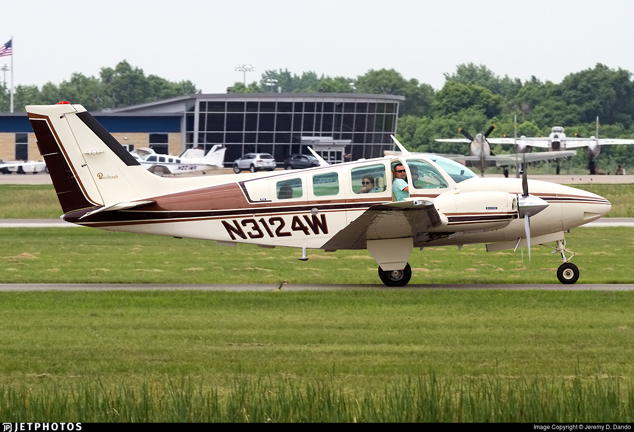 N3124W - Beechcraft 58 Baron - Private