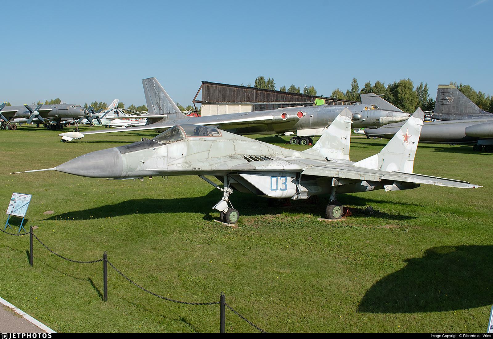 03 - Mikoyan-Gurevich MiG-29 Fulcrum - Russia - Air Force