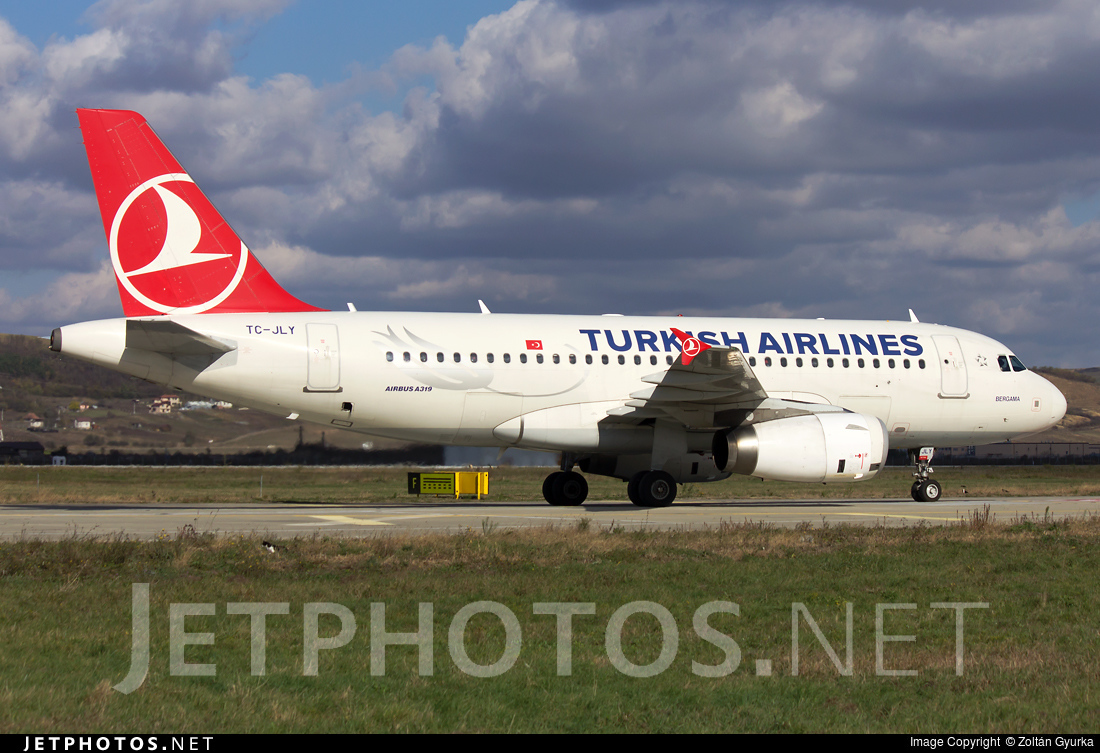 TC-JLY | Airbus A319-132 | Turkish Airlines | Zoltán