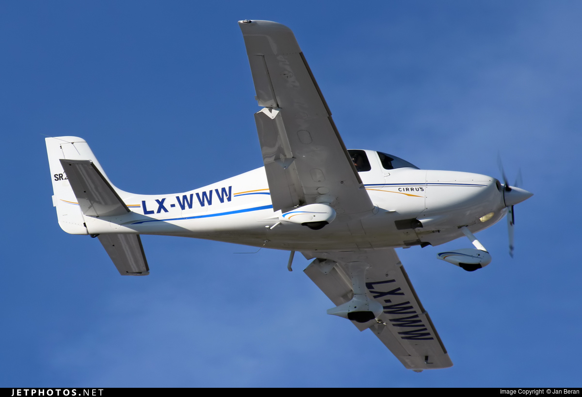 LX-WWW - Cirrus SR22-G2 - Private