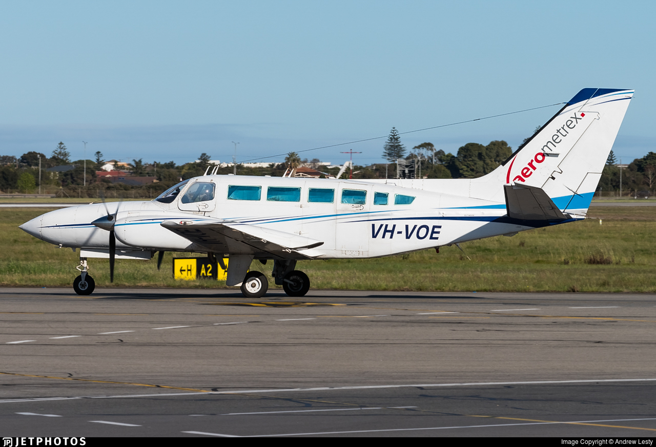 VH-VOE - Cessna 404 Titan - Aerometrex