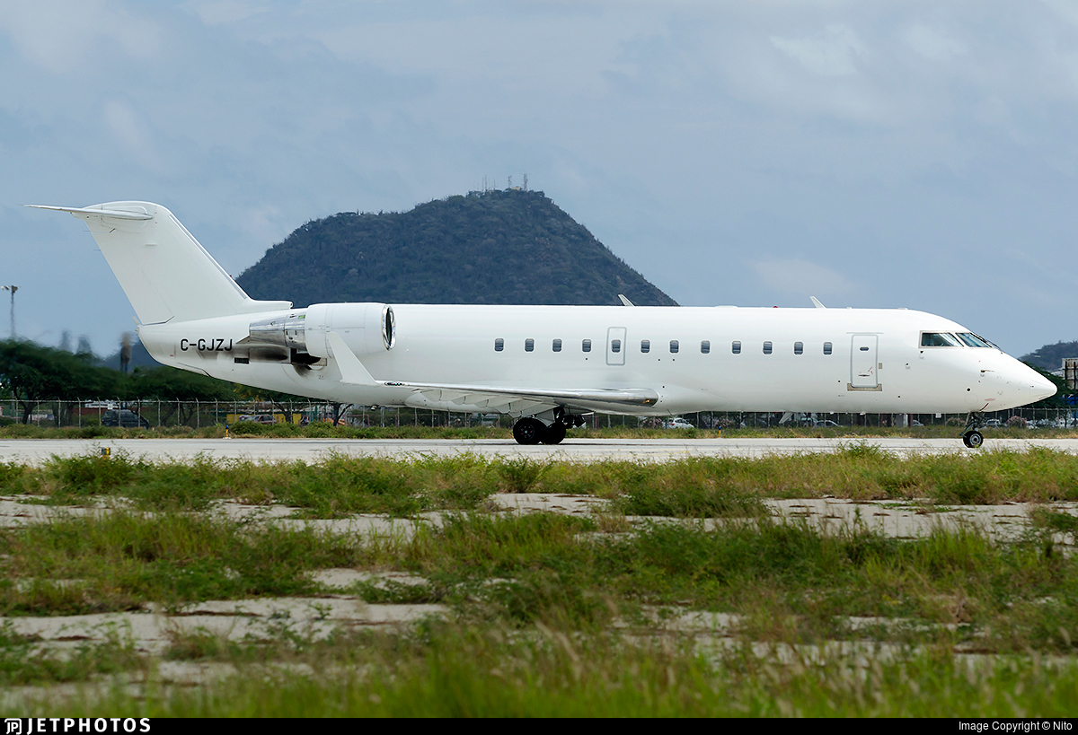 C-GJZJ - Bombardier CRJ-200ER - Voyageur Airways
