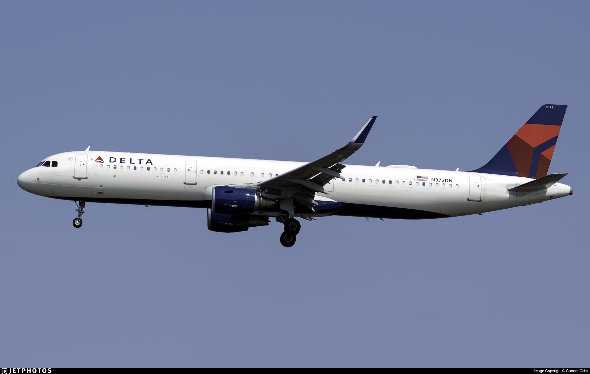 N372DN - Airbus A321-211 - Delta Air Lines