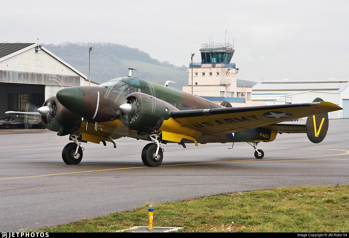 F-AZEJ - Beech E18S - Private