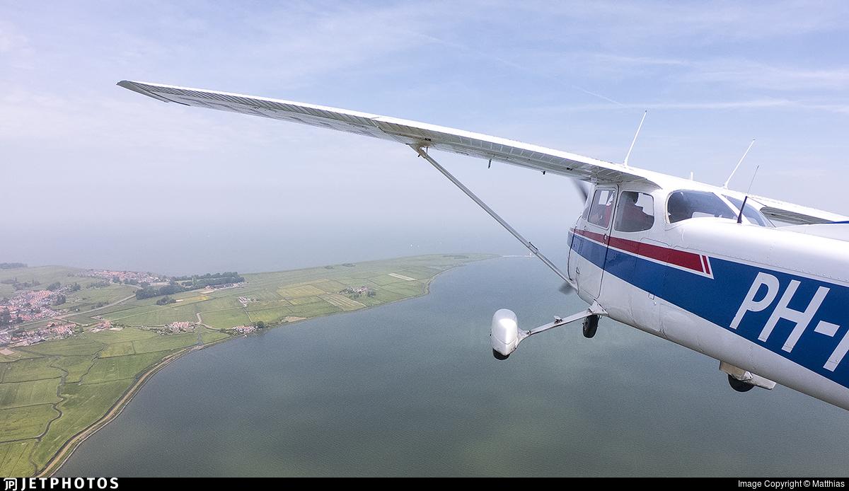 PH-FLE - Reims-Cessna F172N Skyhawk II - Private