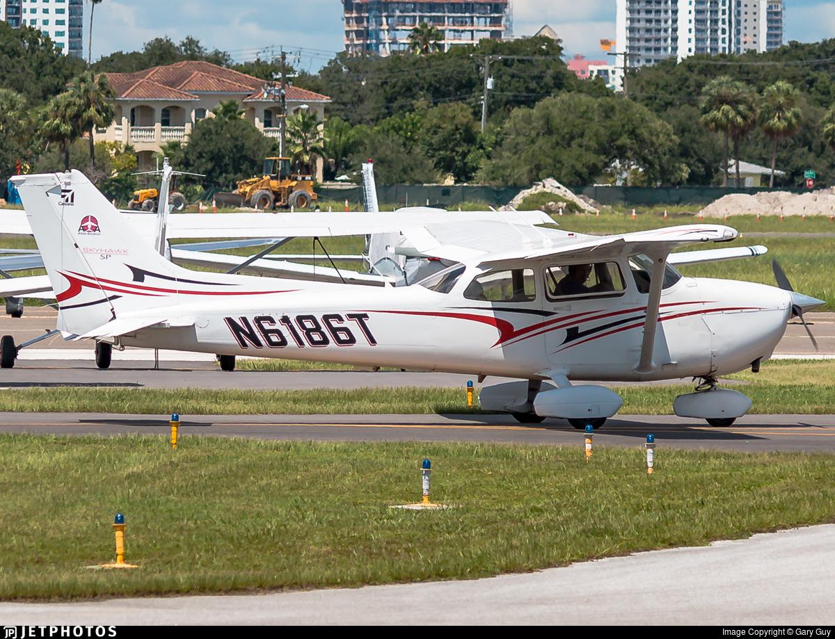N6186T - Cessna 172S Skyhawk SP - Private