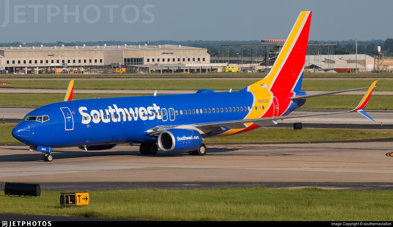 N8652B - Boeing 737-8H4 - Southwest Airlines
