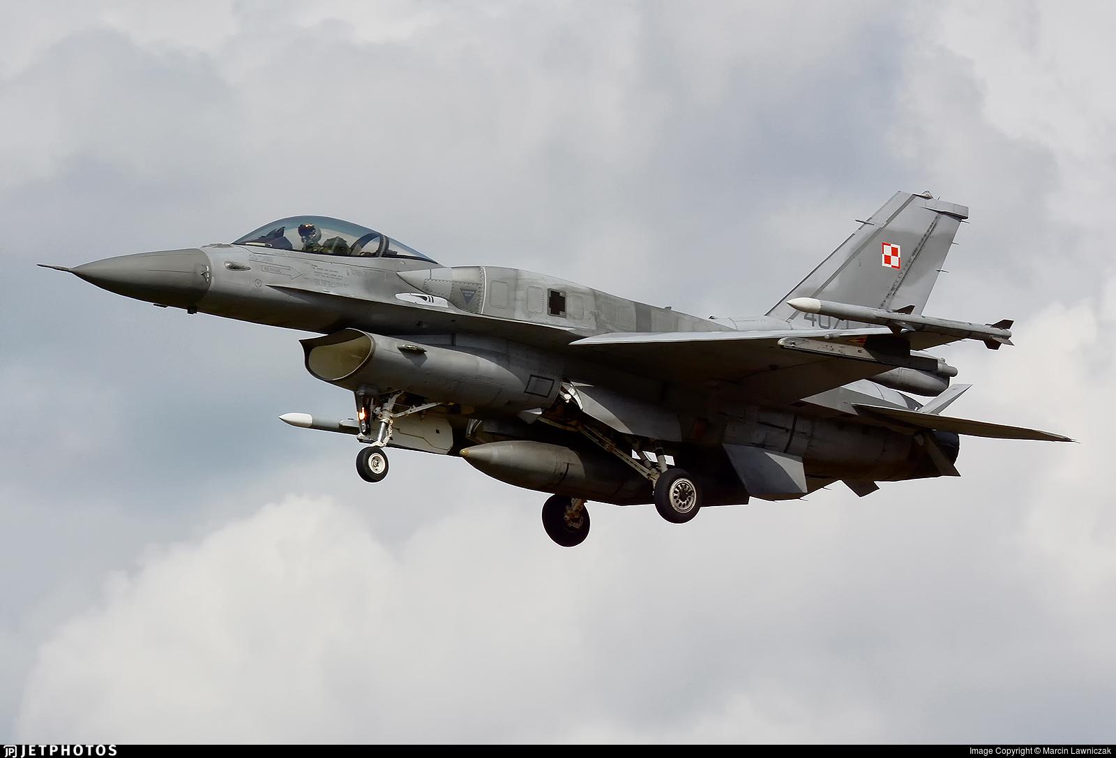 4071 - Lockheed Martin F-16C Fighting Falcon - Poland - Air Force