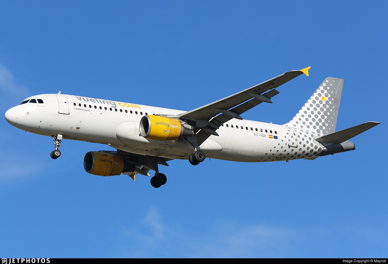 EC-HQI - Airbus A320-214 - Vueling