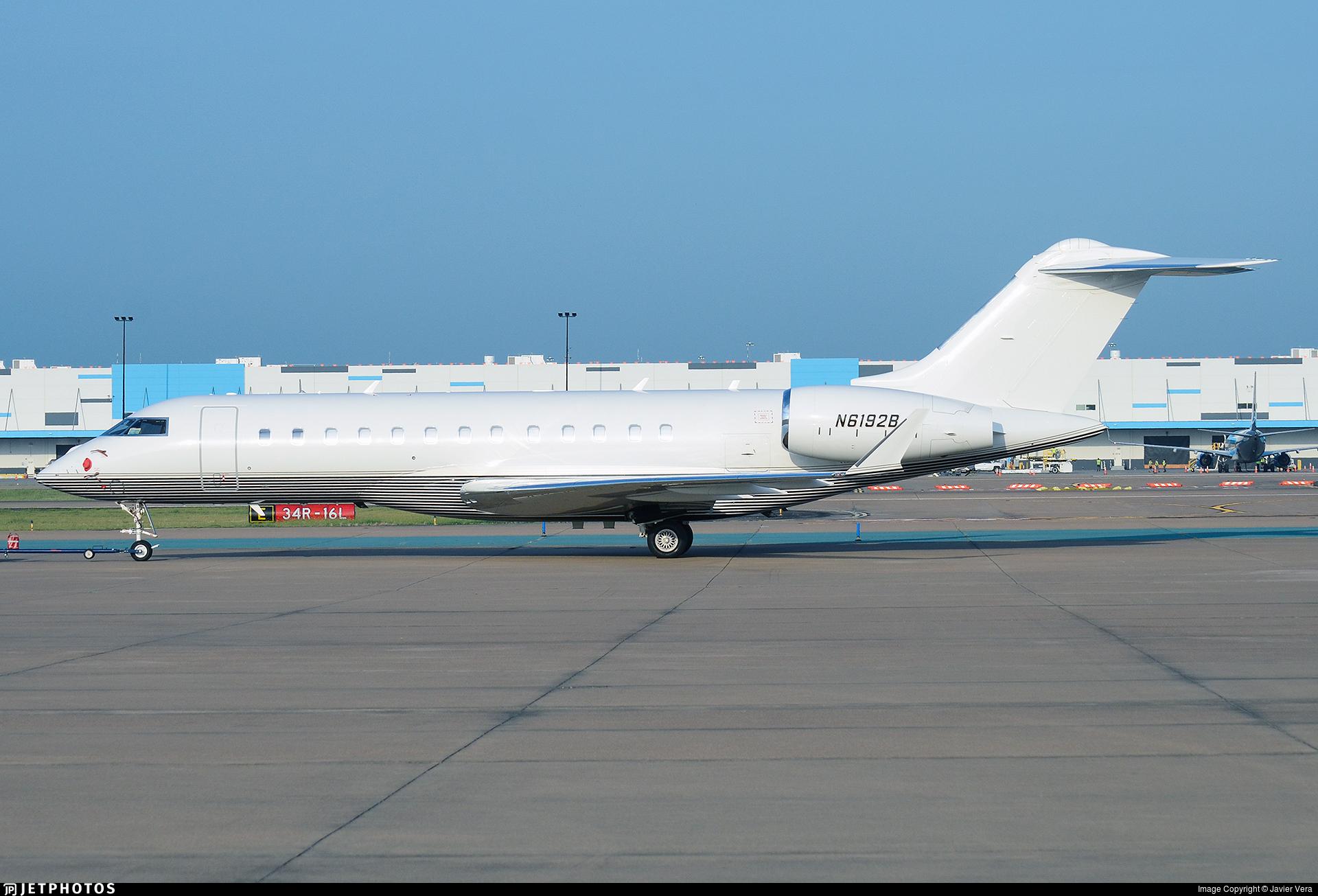 N6192B - Bombardier BD-700-1A10 Global 6000 - Glacier Aviation