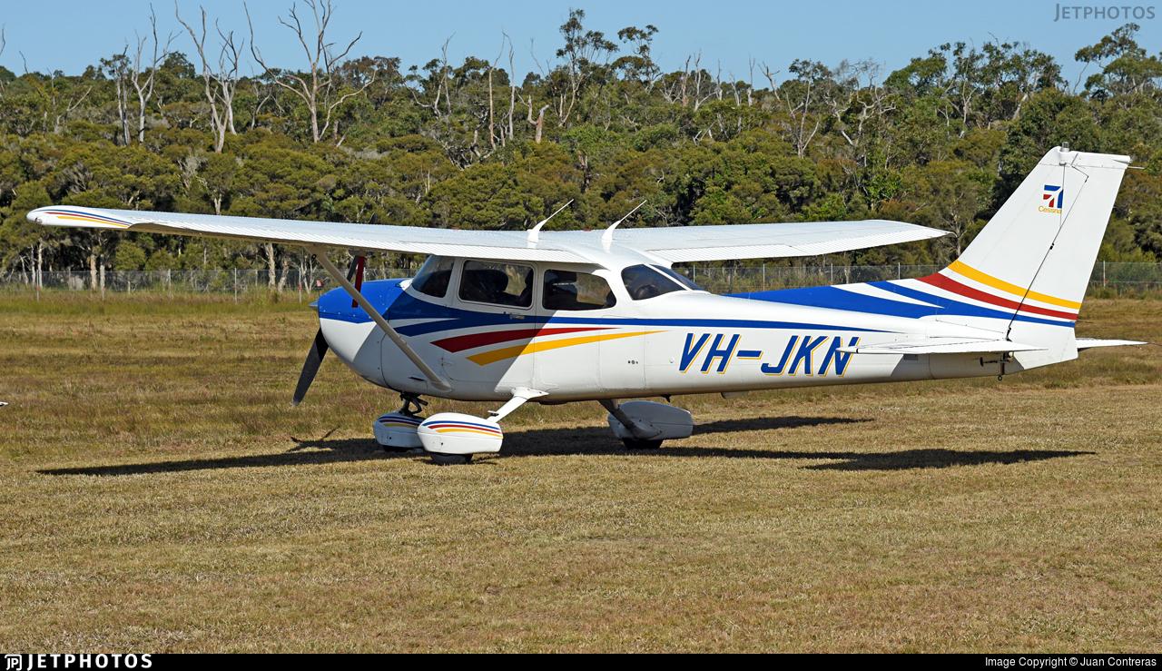 VH-JKN - Cessna 172R Skyhawk II - Private
