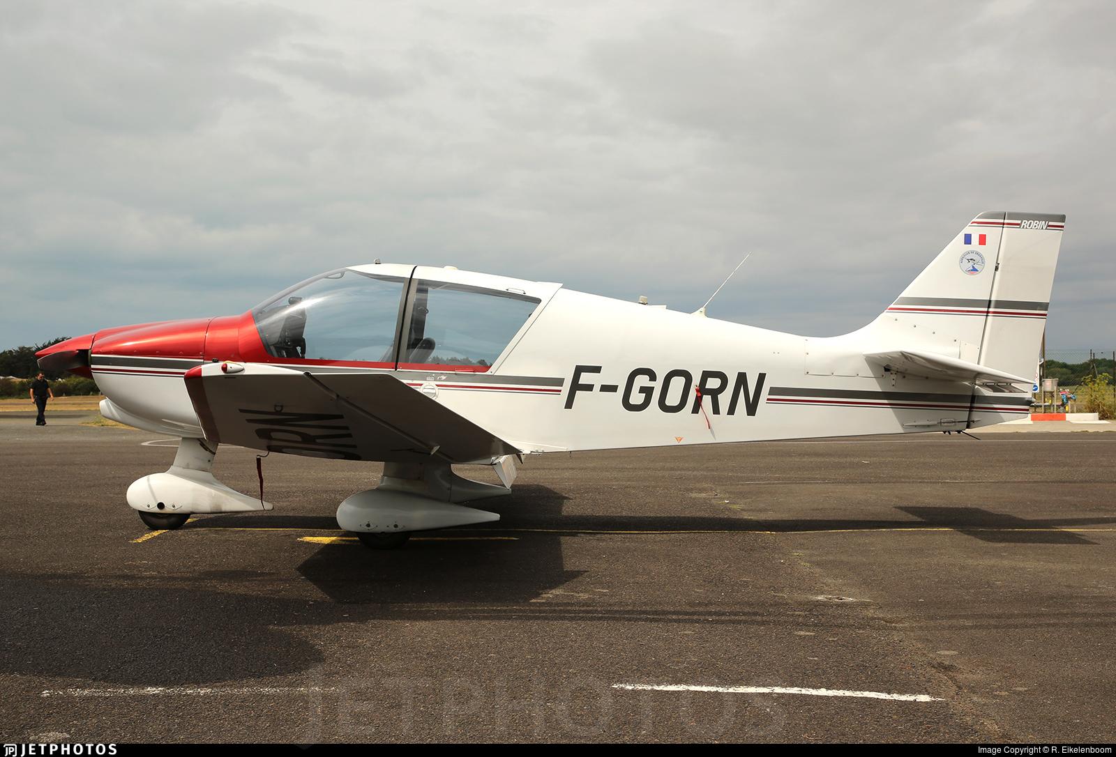 F-GORN - Robin DR400/120 - Private