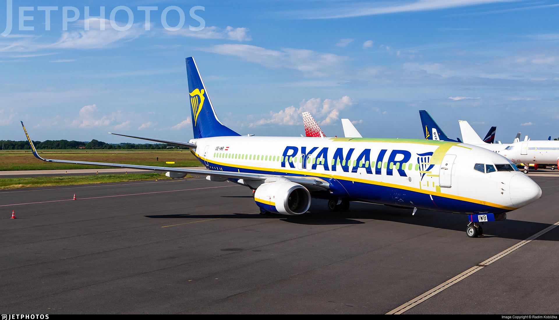 OE-IWB - Boeing 737-8AS(BCF) - Untitled