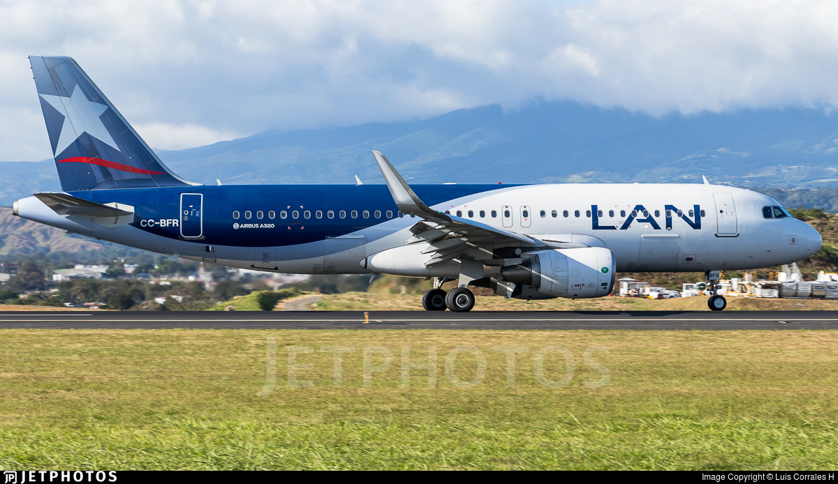 CC-BFR - Airbus A320-214 - LAN Airlines