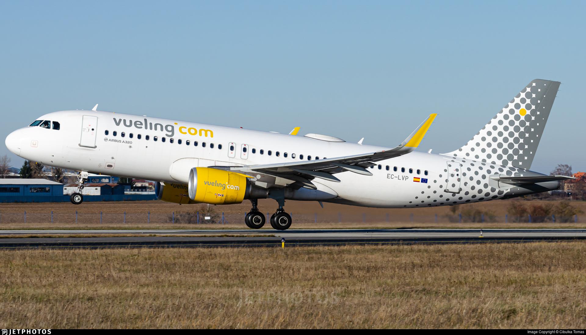 EC-LVP - Airbus A320-214 - Vueling
