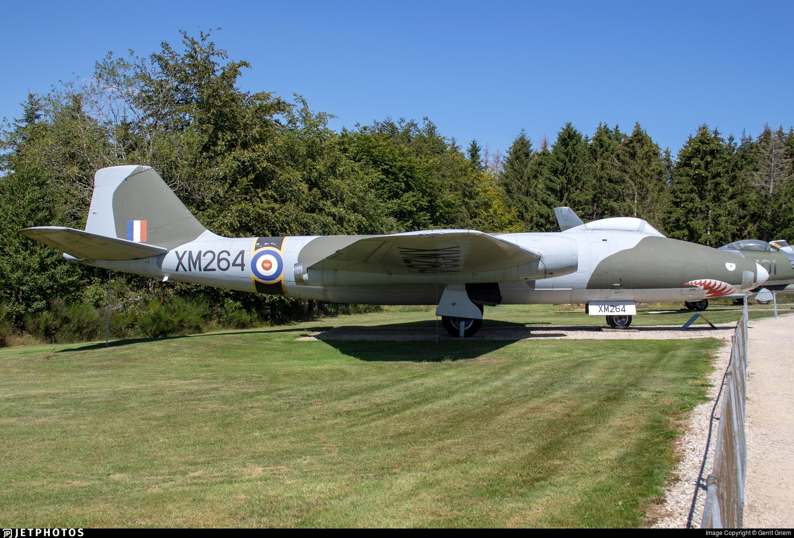 XM264 - English Electric Canberra B(I).8 - United Kingdom - Royal Air Force (RAF)