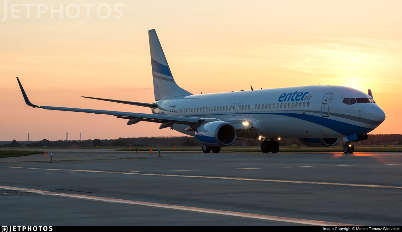 SP-ENQ - Boeing 737-85R - Enter Air