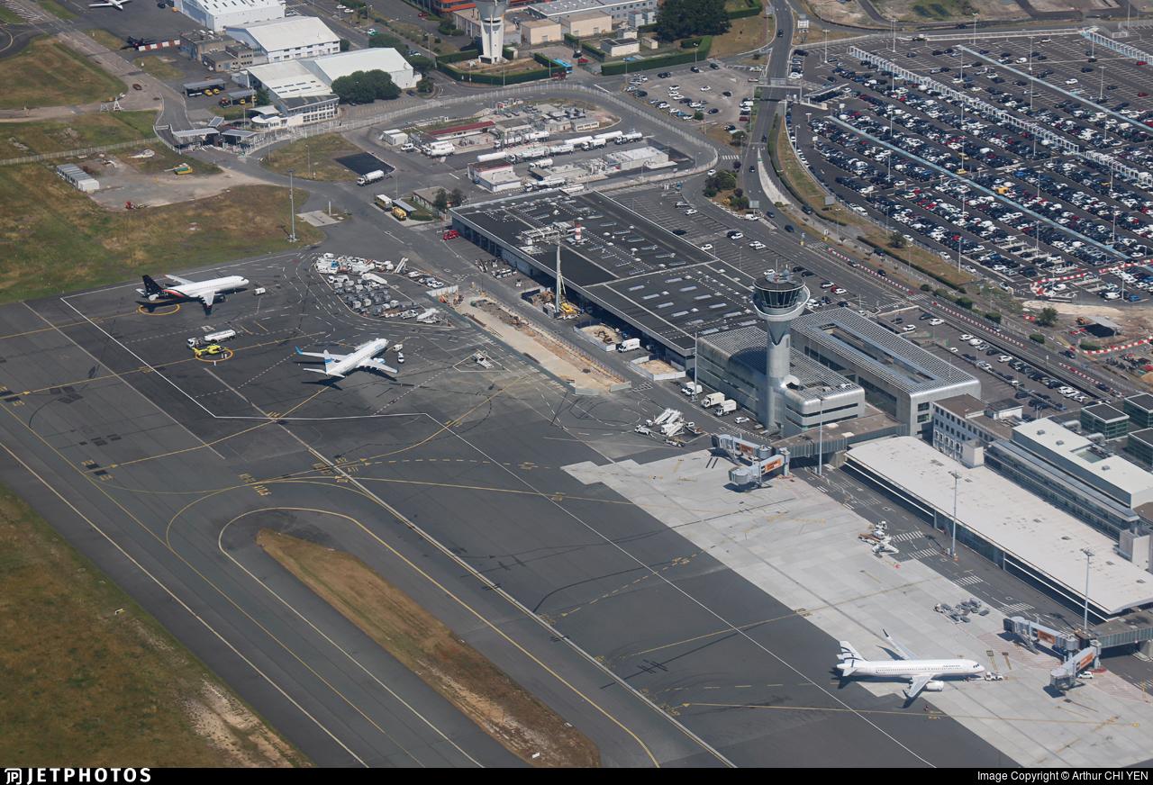 LFBD | Airport | Airport Overview | Arthur CHI YEN | JetPhotos