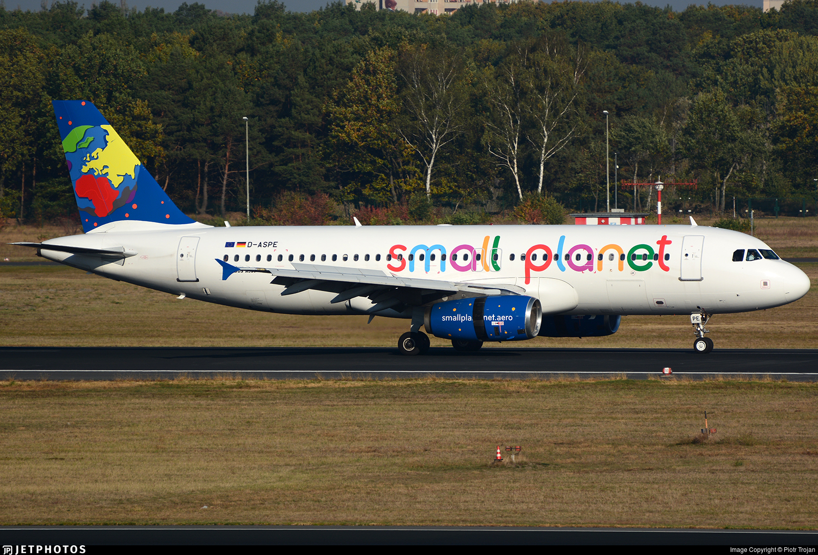 D-ASPE - Airbus A320-232 - Small Planet Airlines Germany