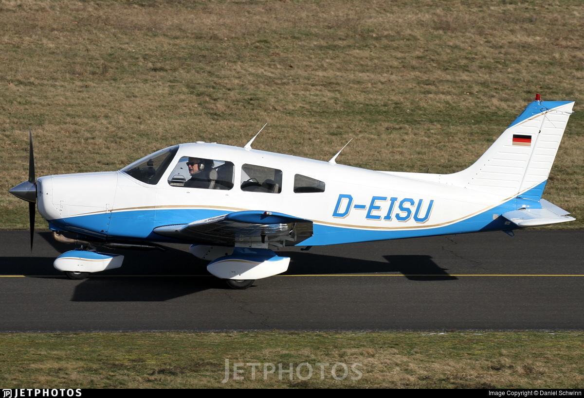 D-EISU - Piper PA-28-161 Warrior II - Private