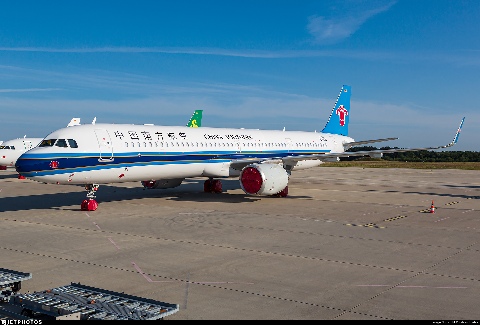 D-AVZC - Airbus A321-253NX - China Southern Airlines