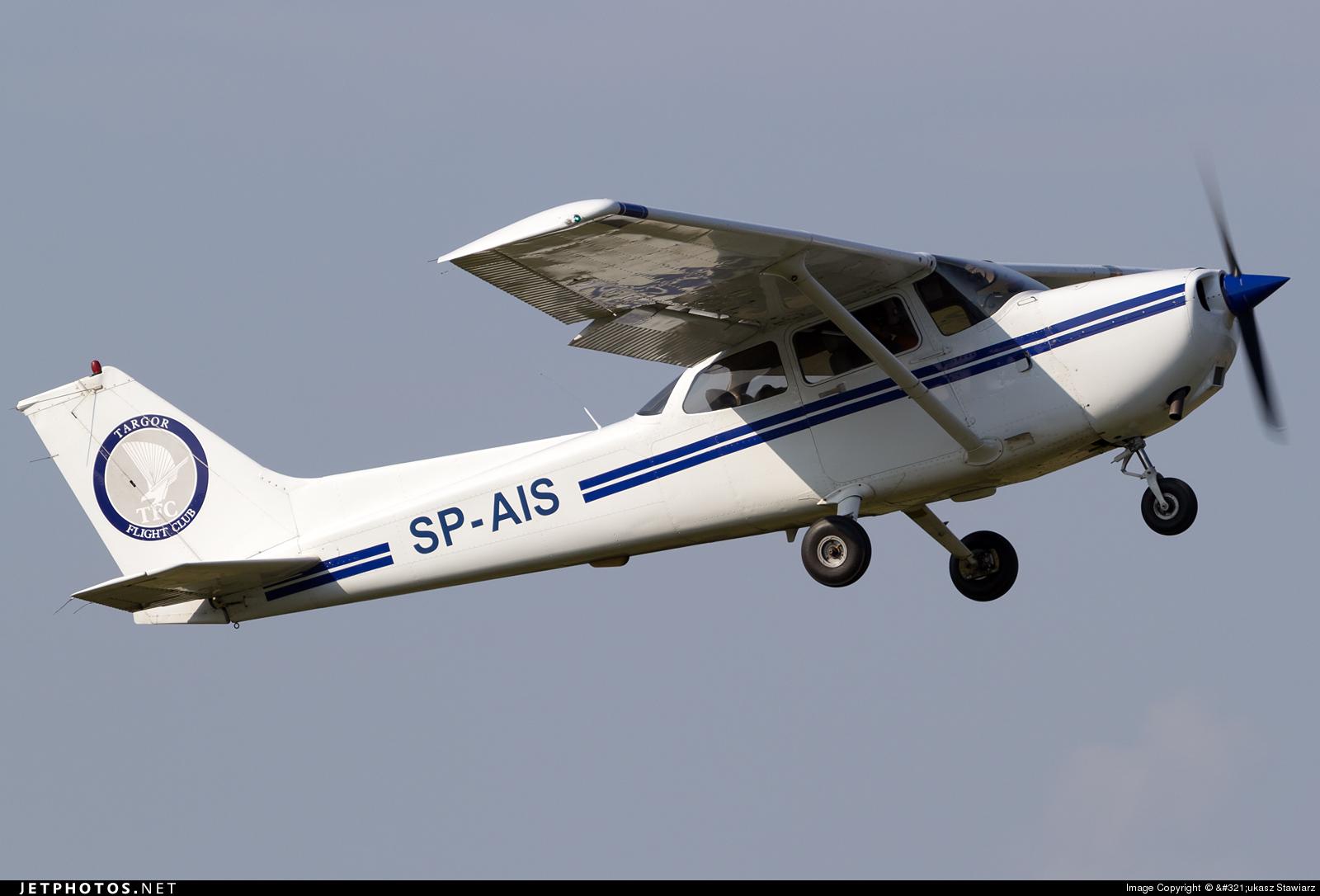 SP-AIS - Cessna 172 Skyhawk - Private