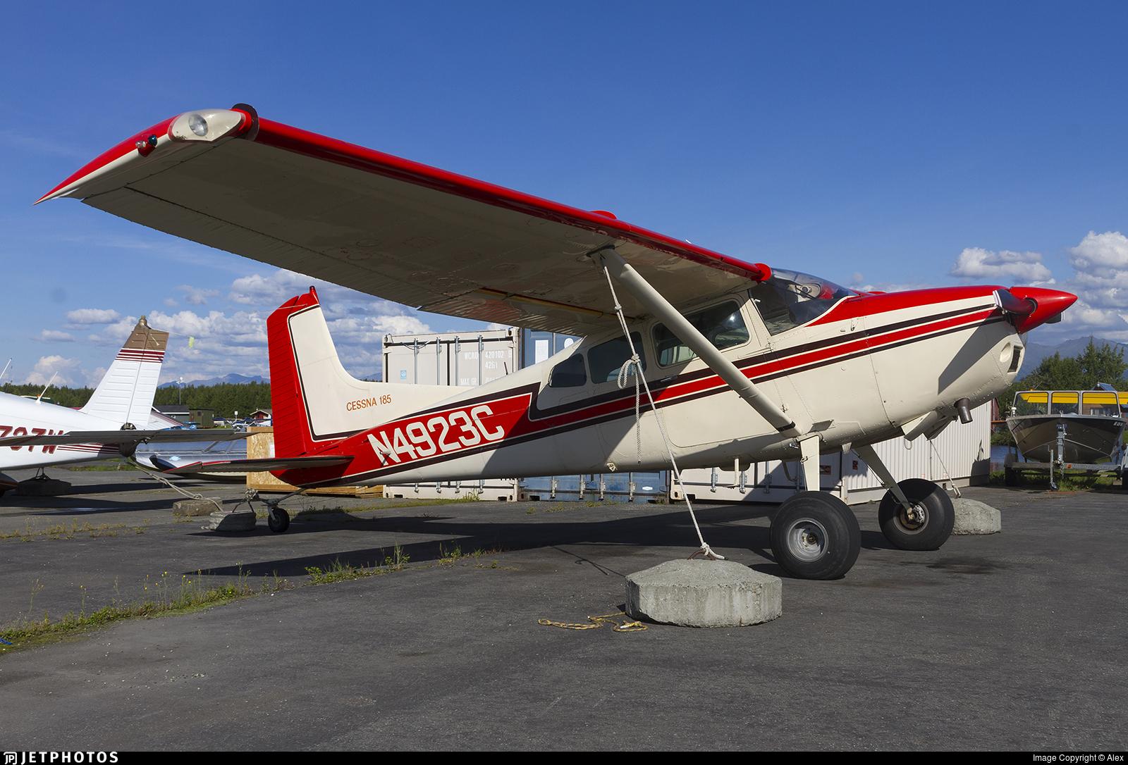N4923C - Cessna A185F Skywagon - Private