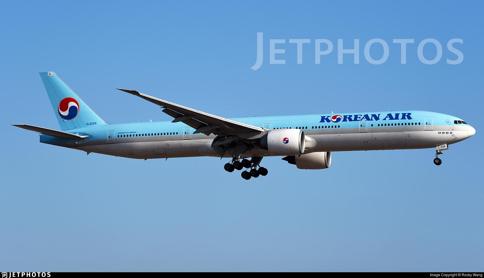 HL8209 - Boeing 777-3B5ER - Korean Air