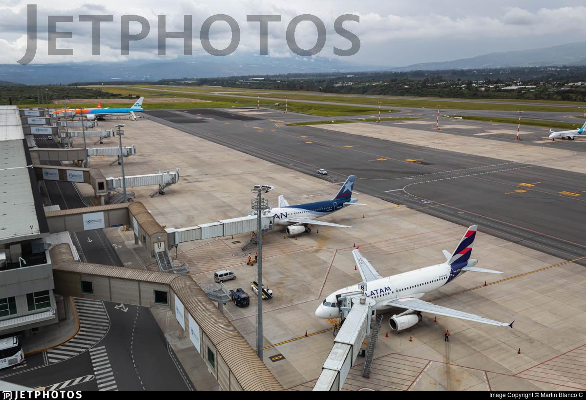 SEQM - Airport - Ramp