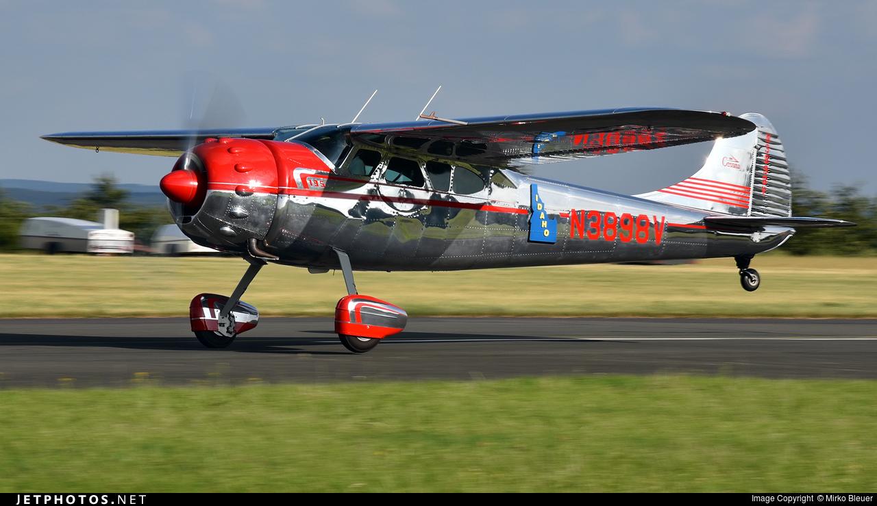 N3898V - Cessna 195 - Private