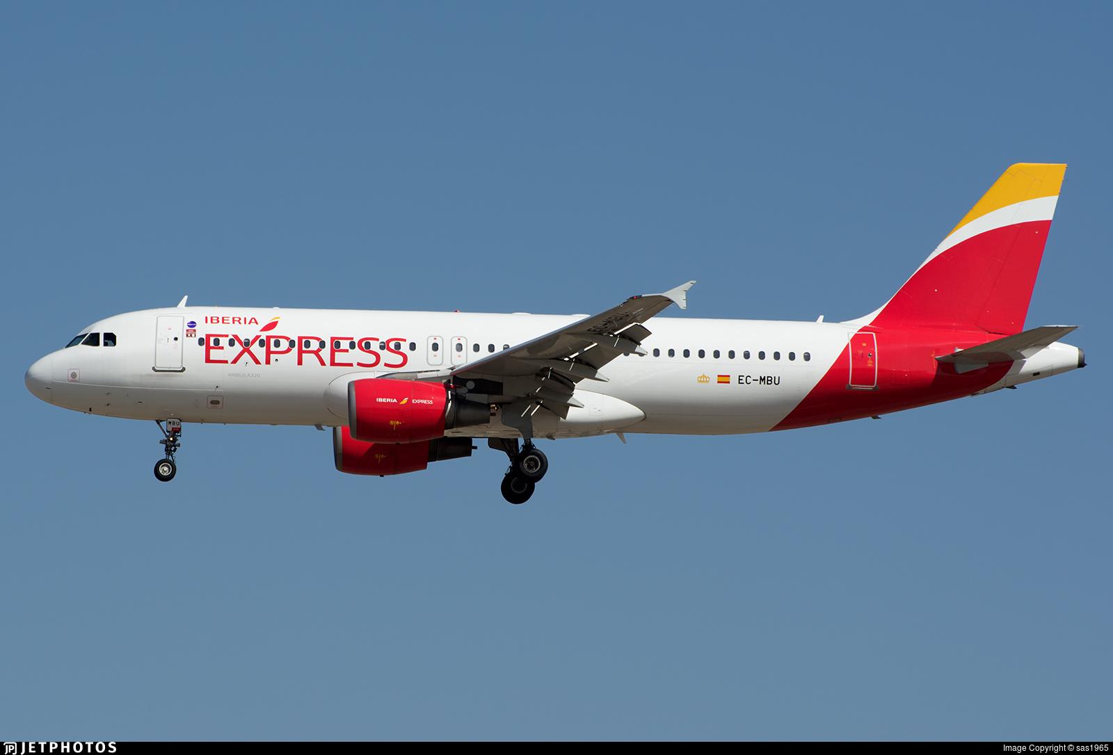 EC-MBU Airbus A320-214 Iberia Express sas1965 JetPhotos